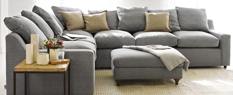 Большой диван в интерьере (17)