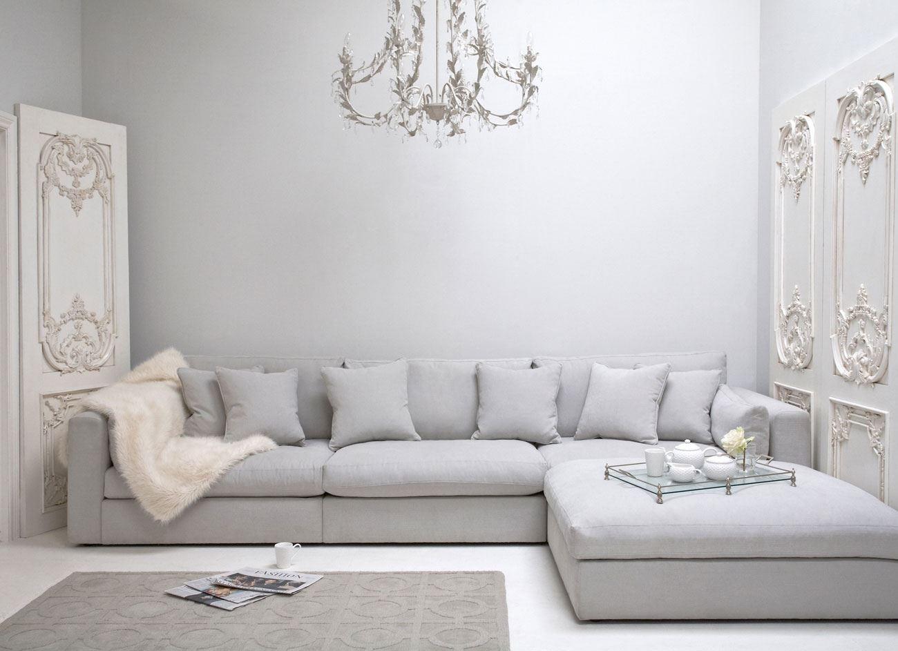 Большой диван в интерьере (24)