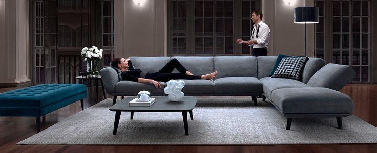 Большой диван в интерьере (33)