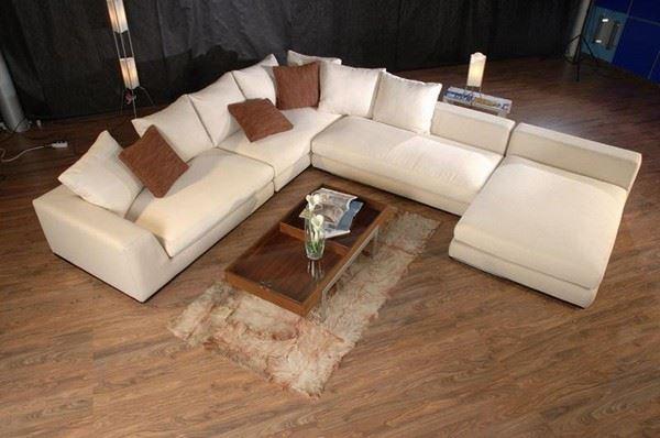Большой диван в интерьере (6)