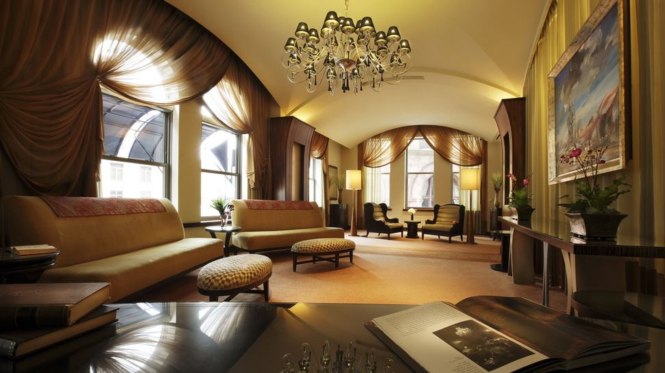 Диван в интерьере гостиной (1)
