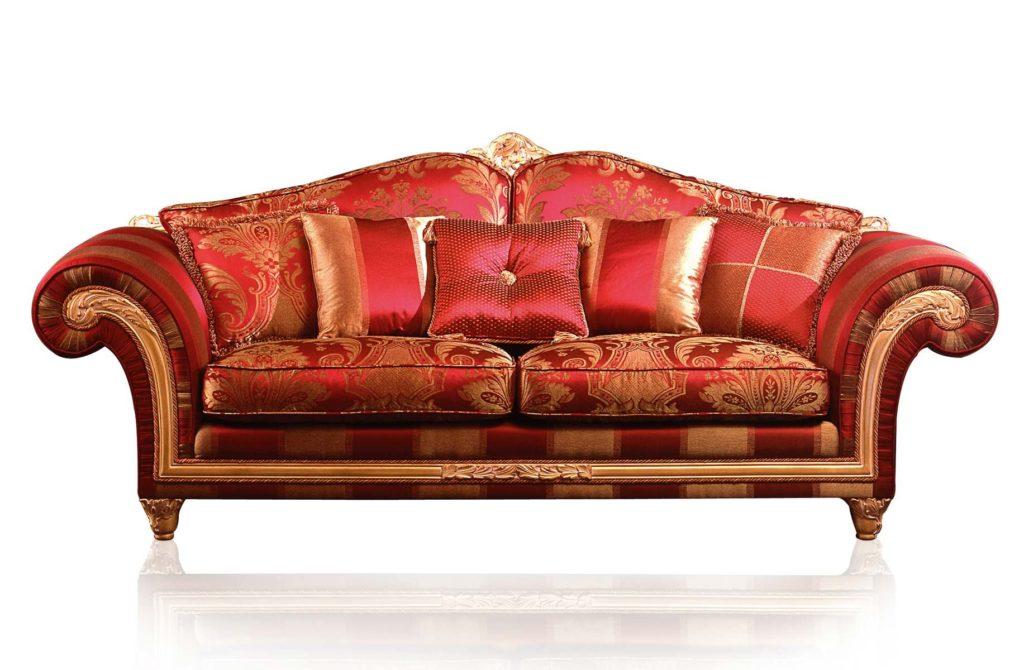 Красный классический диван
