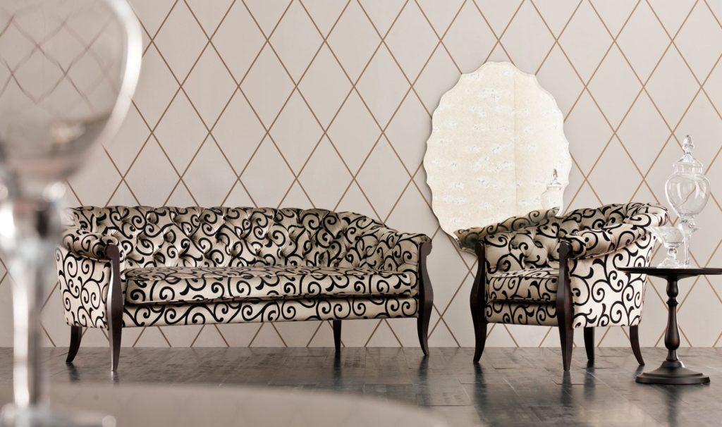 Классические диван и кресло