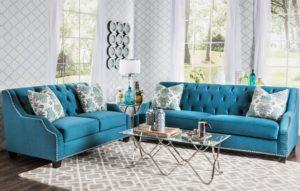 Два голубых дивана в интерьере комнаты