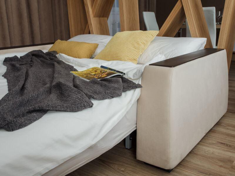 Спальное место ортопедического дивана