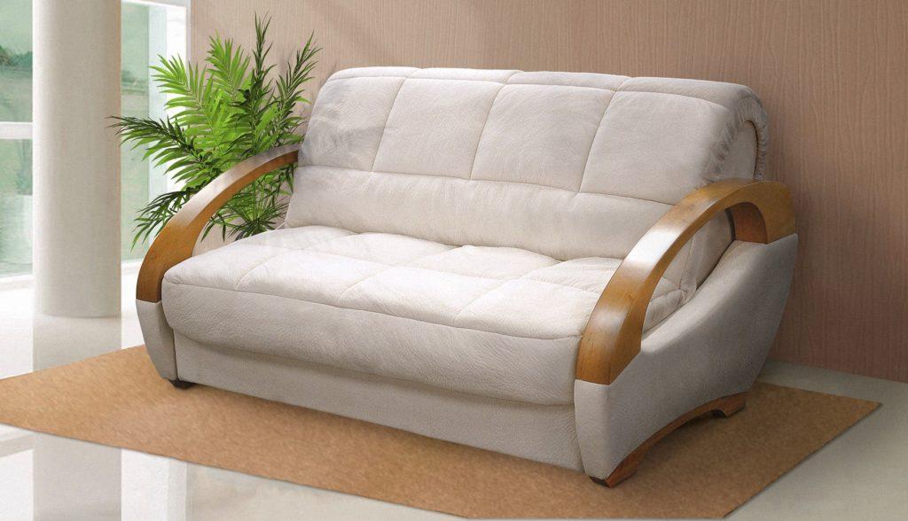Прямой диван с ортопедическим матрасом у стены