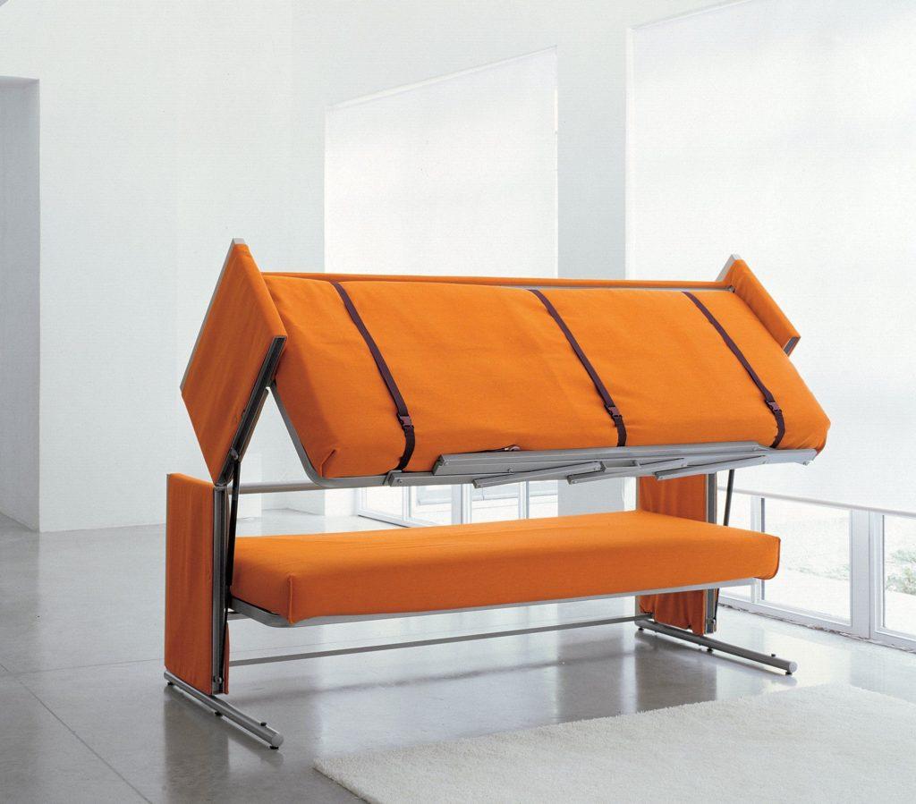 Двухъярусный диван со спальными местами для взрослых