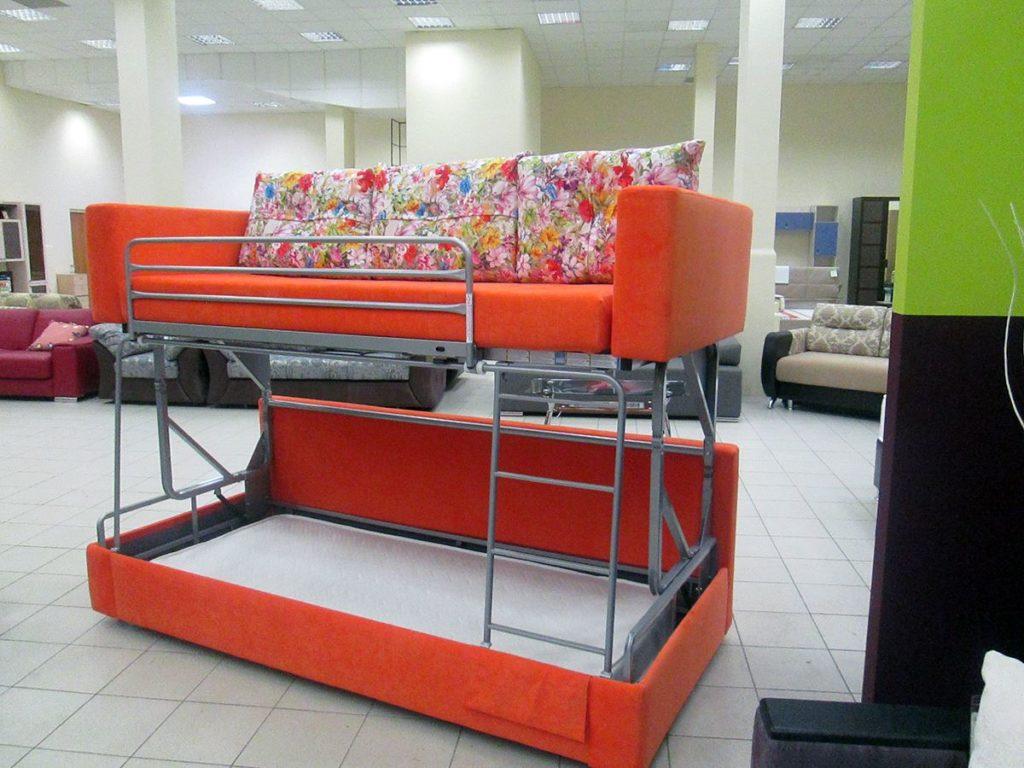 Двухъярусный диван с механизмом трансформации