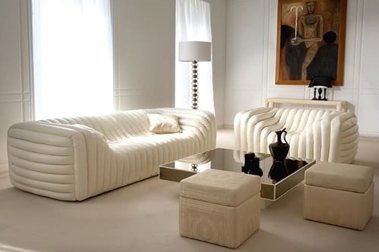 Интересный способ размещения дивана в интерьере (10)