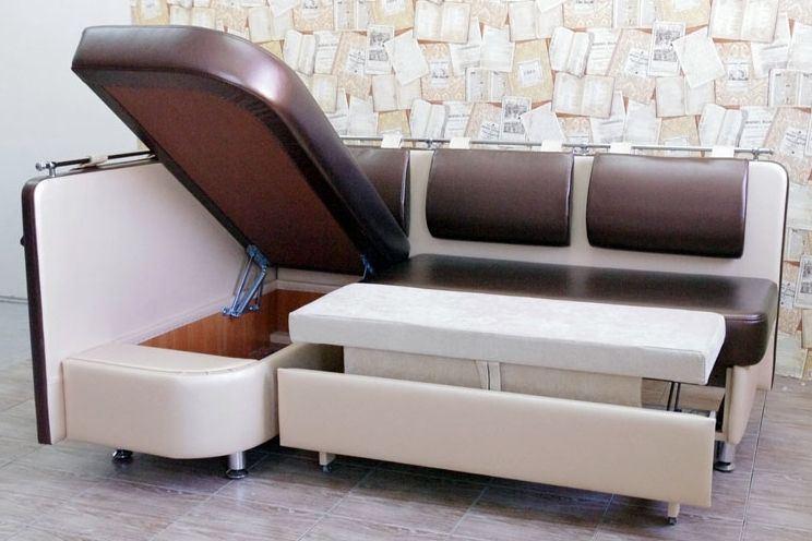 Раскладной кожаный диван на кухне со спальным местом и нишей для хранения