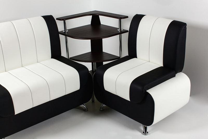 Кожаный диван в интерьере кухни (5)
