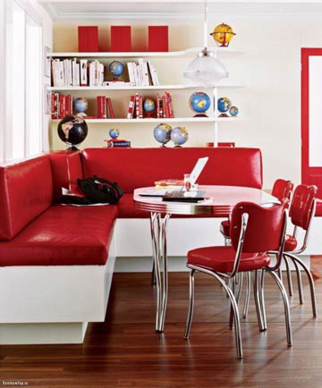 Кожаный диван в интерьере кухни (7)
