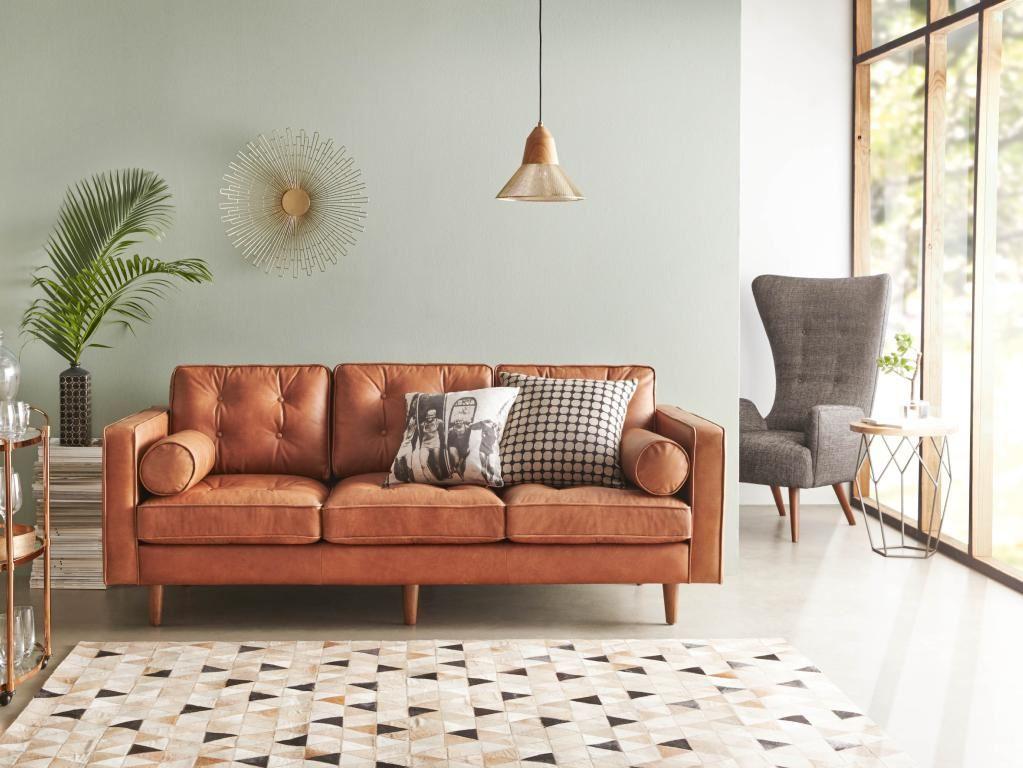 Коричневый диван в интерьере (17)