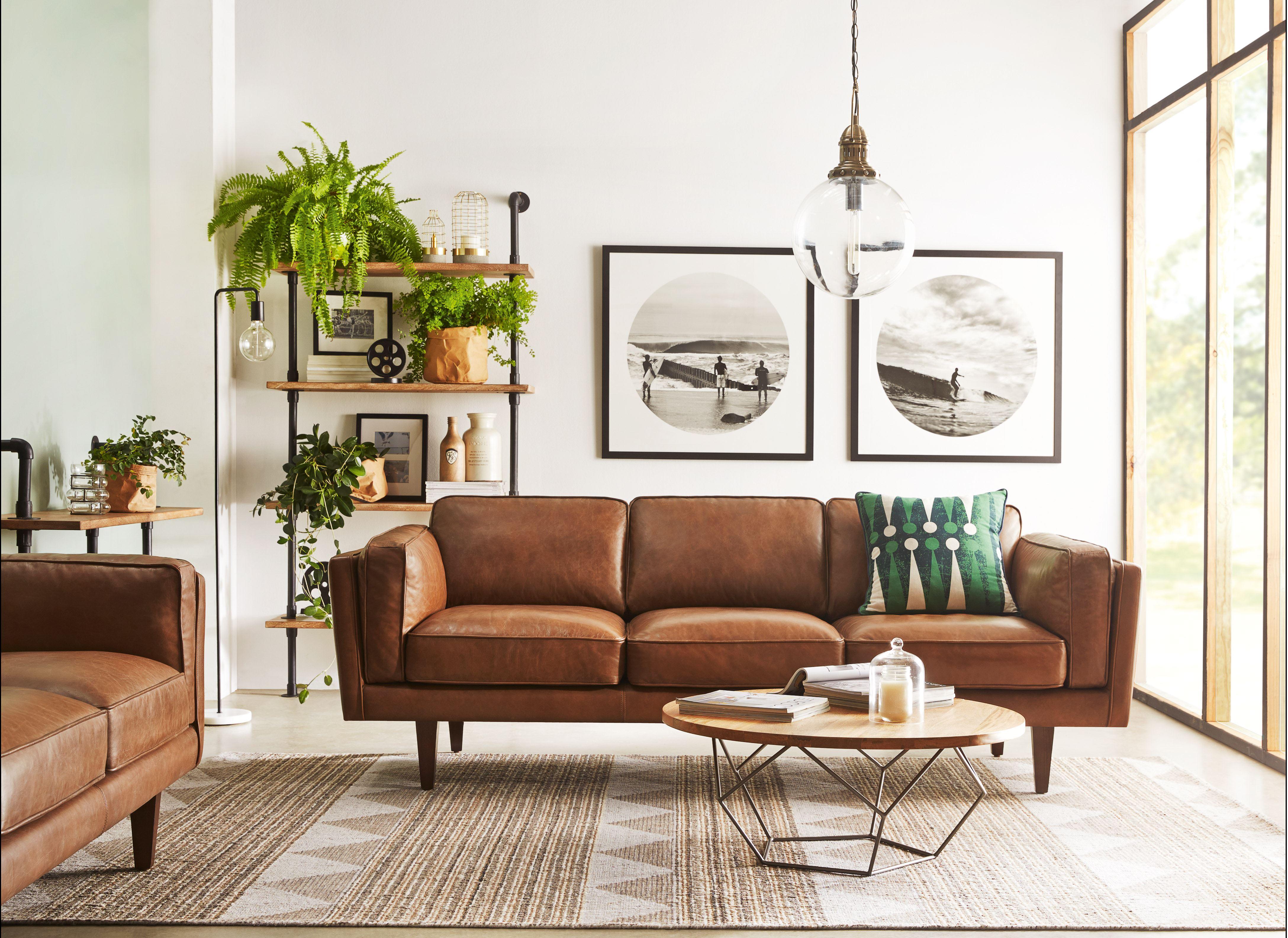 Коричневый диван в интерьере (21)