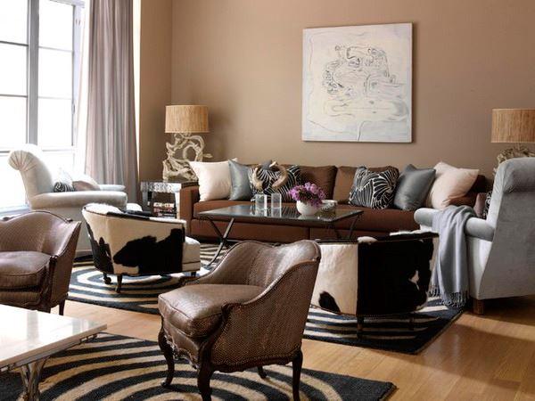 Коричневый диван в интерьере (22)