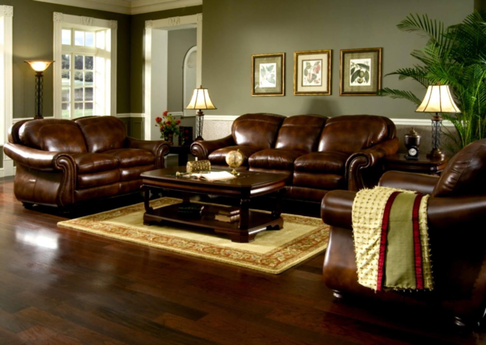 Коричневый диван в интерьере (26)