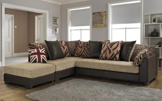 Коричневый диван в интерьере (28)