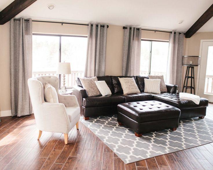 Коричневый диван в интерьере (37)