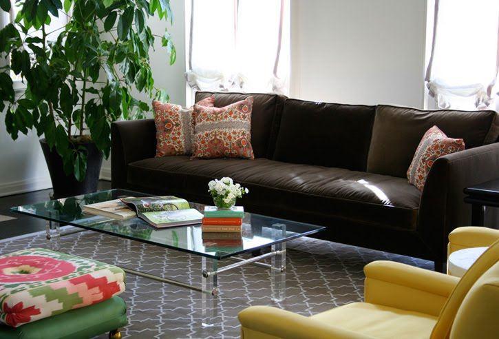 Коричневый диван в интерьере (50)