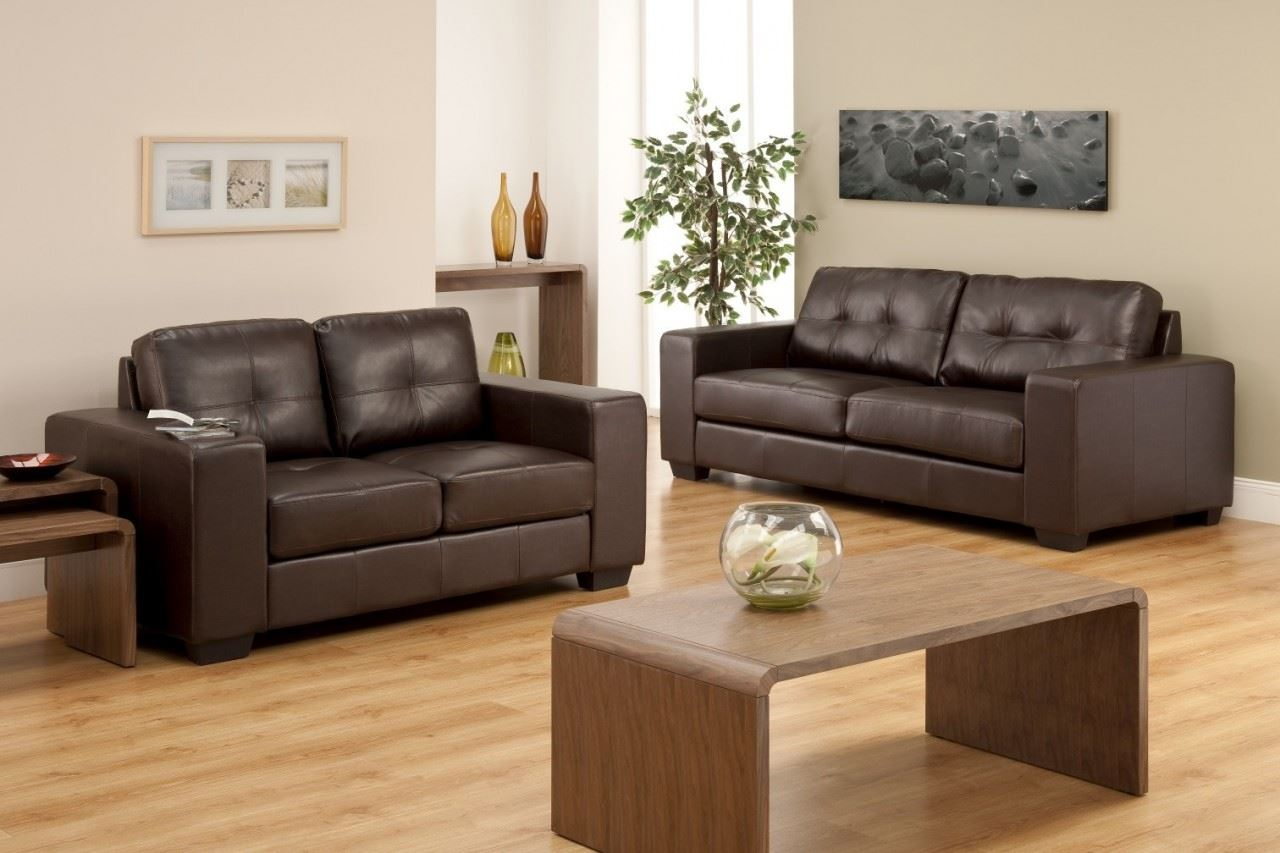 Коричневый диван в интерьере (55)