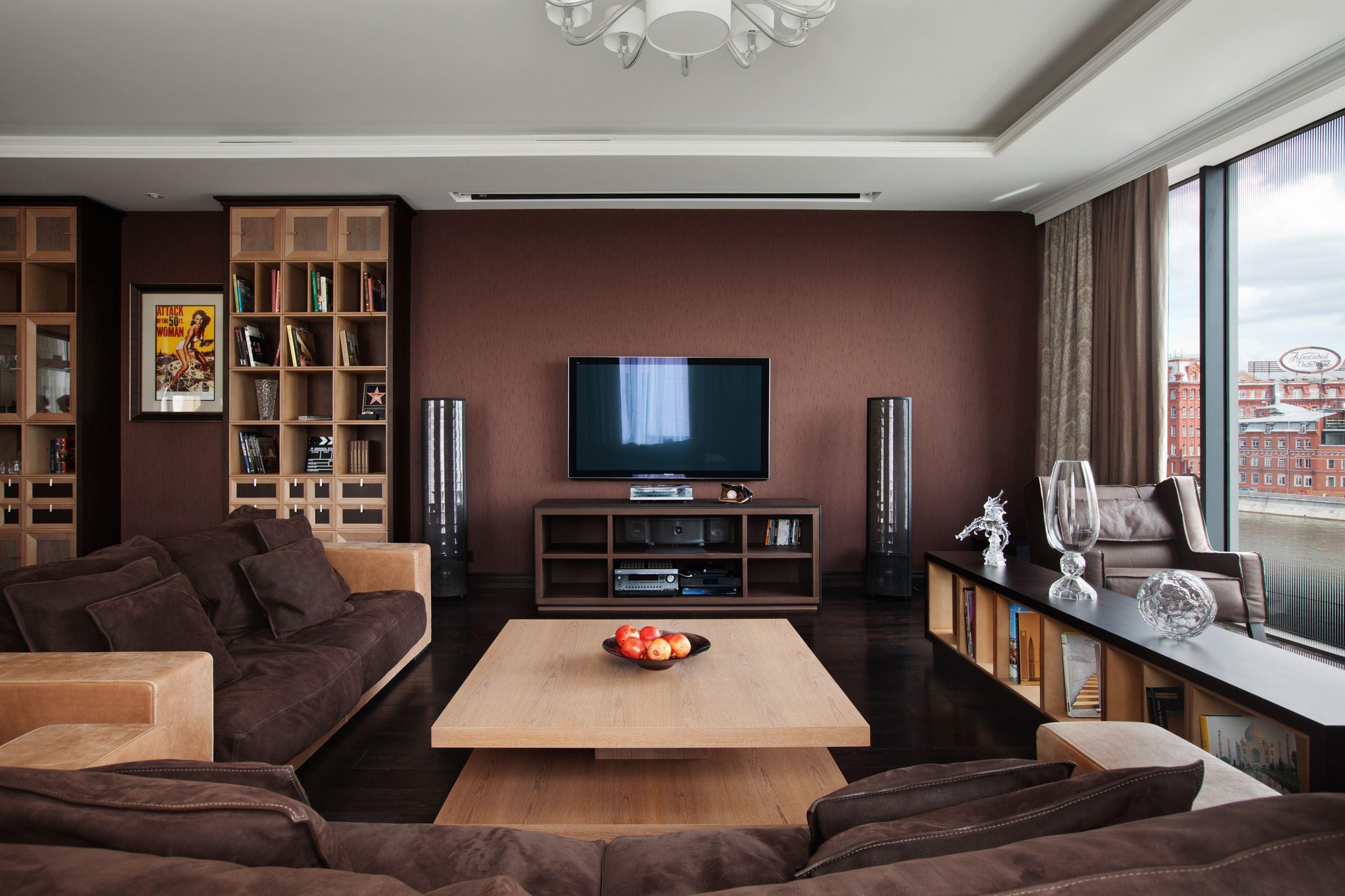 Коричневый диван в интерьере (56)