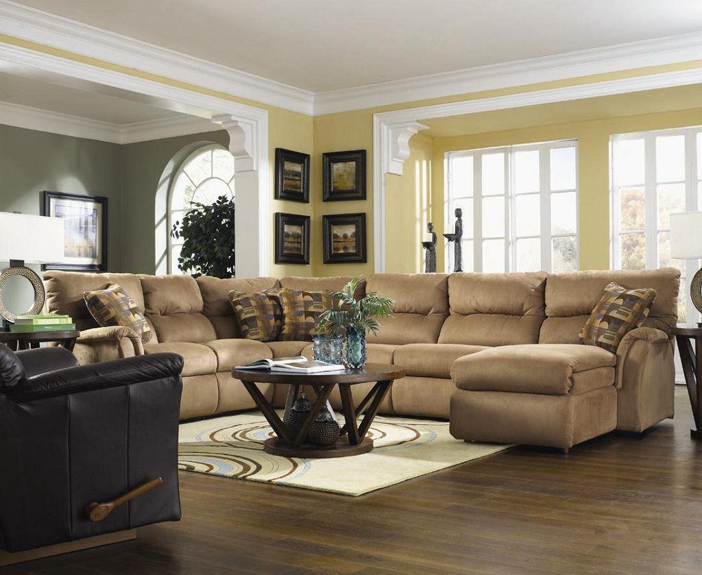 Коричневый диван в интерьере (63)