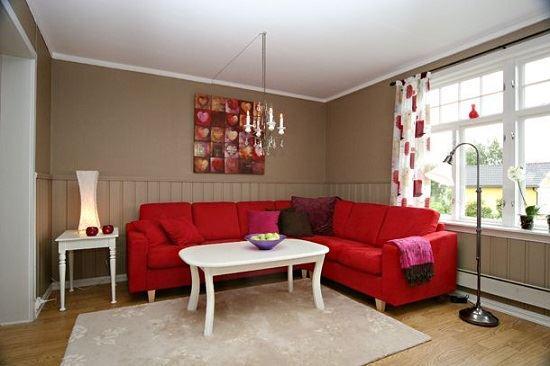 Красный диван (28)
