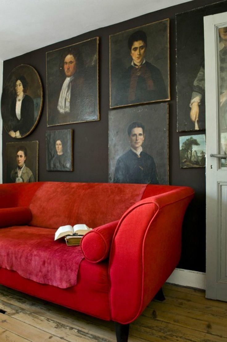 Красный диван (29)