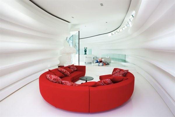 Красный диван (36)