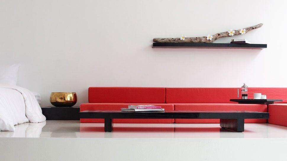 Красный диван (39)