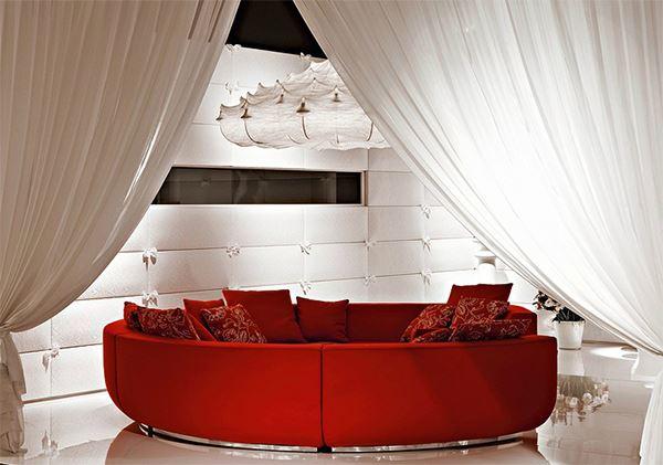 Красный диван (47)