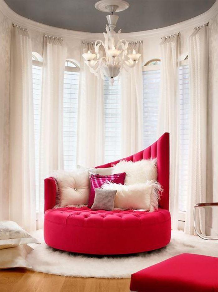 Красный диван (49)
