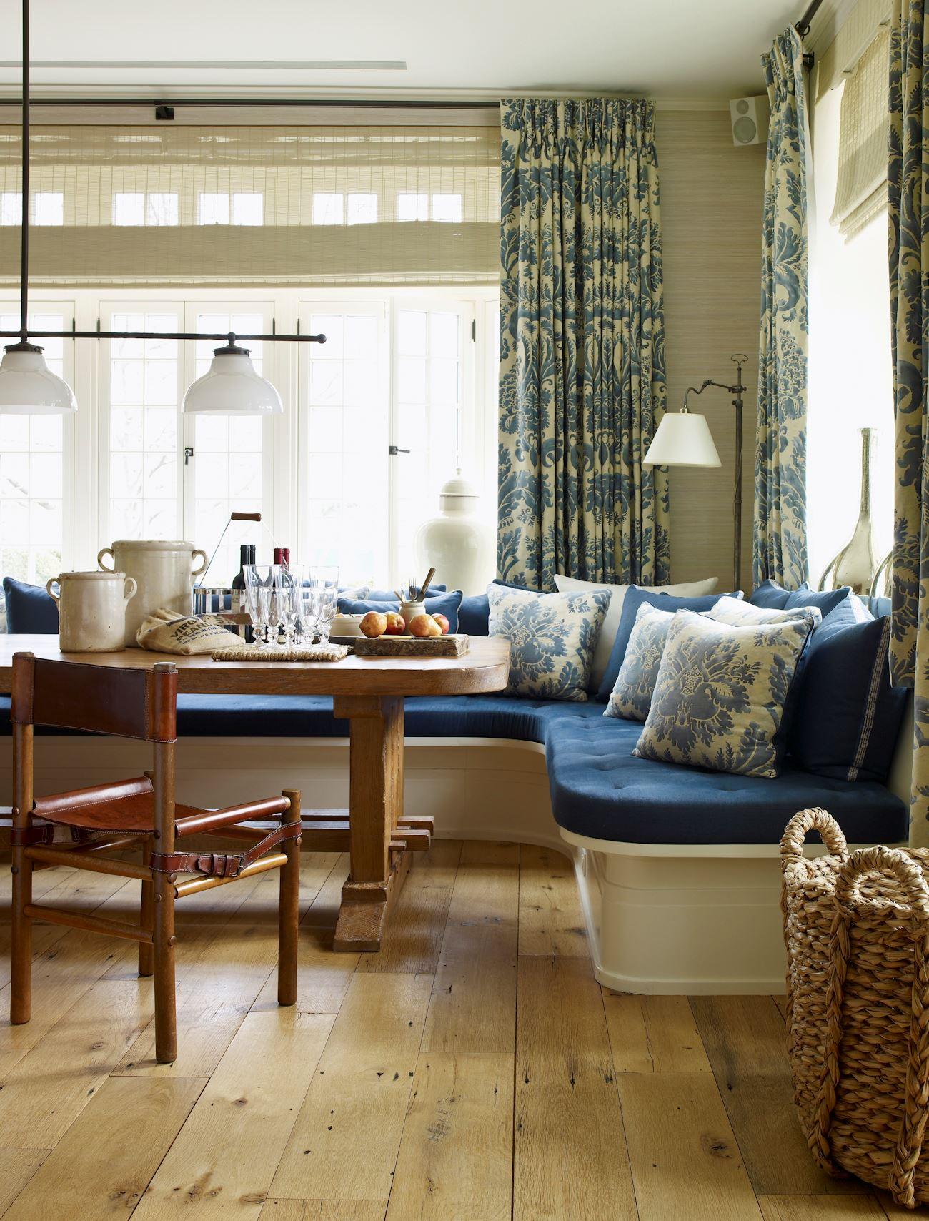 Кухонный диван в эркер (10)