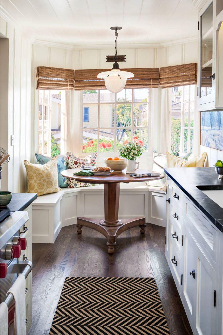 Кухонный диван в эркер (9)