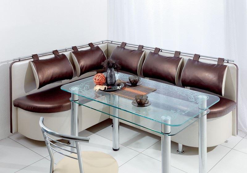 Кухонный диван со стеклянным обеденным столом