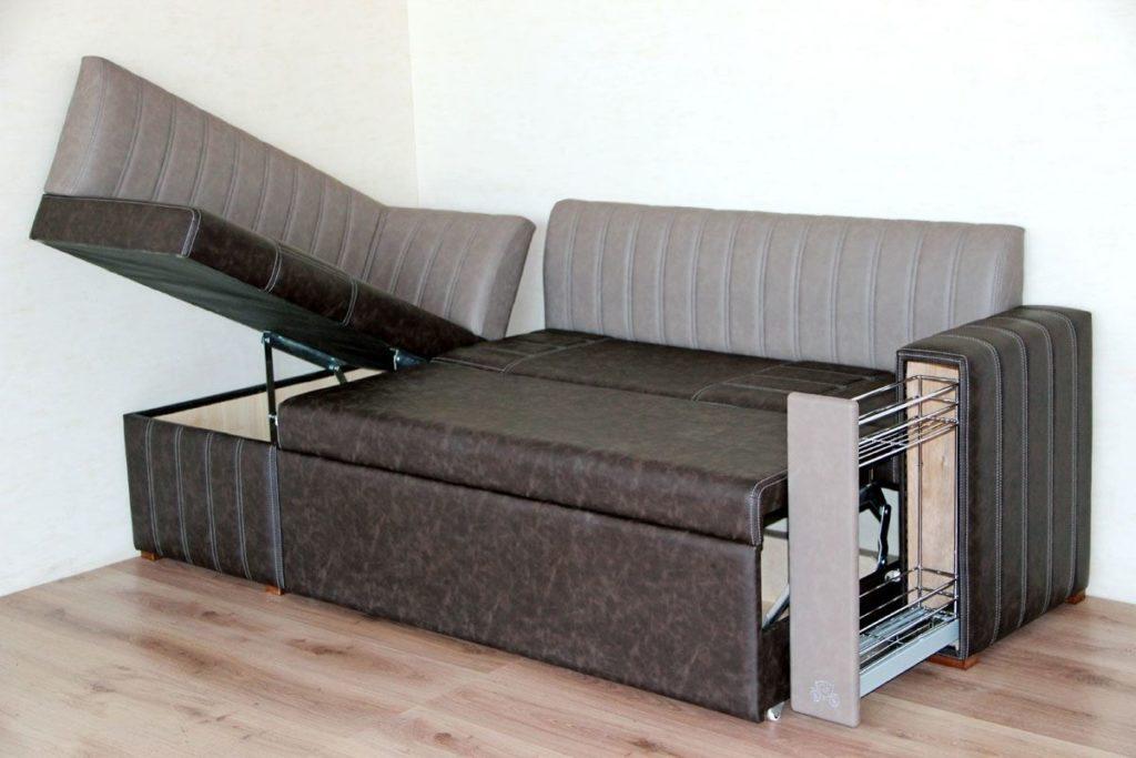 Кухонный диван с дополнительными нишами для хранения и спальным местом