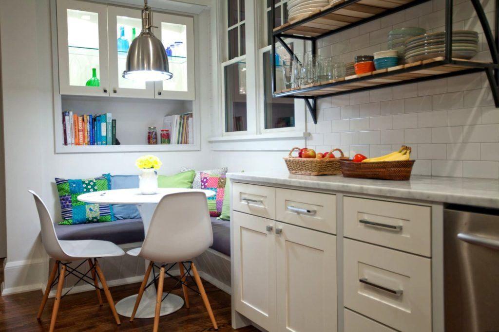 Встроенный кухонный уголок