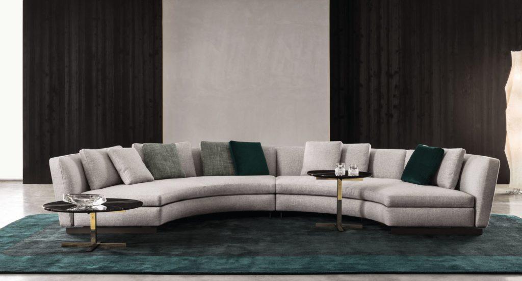 Большой полукруглый диван