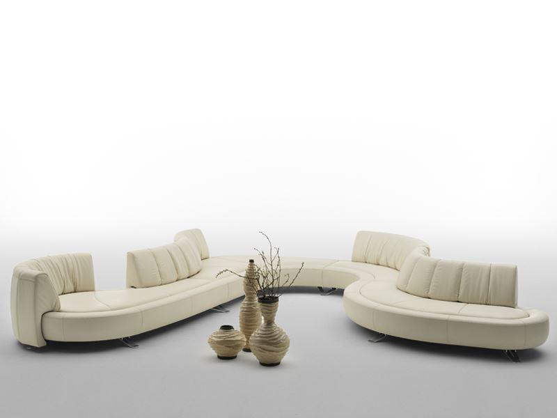 Изогнутый модульный диван