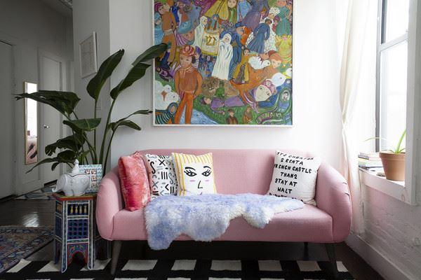 Розовый диван (15)