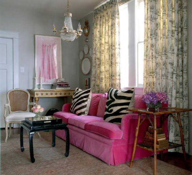 Розовый диван (24)