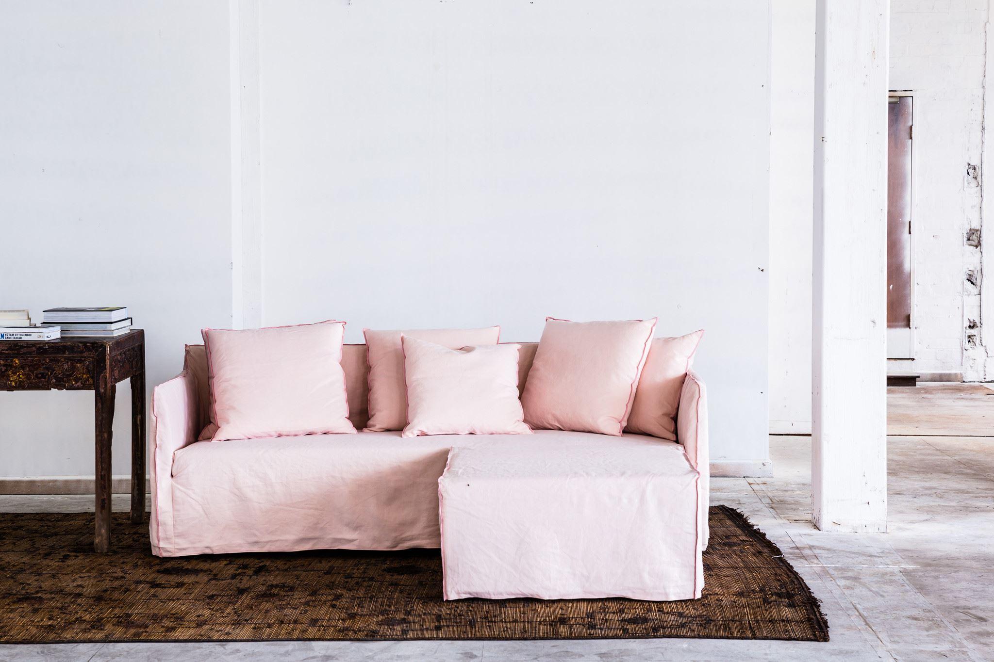 Розовый диван (26)