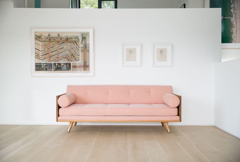 Розовый диван (28)