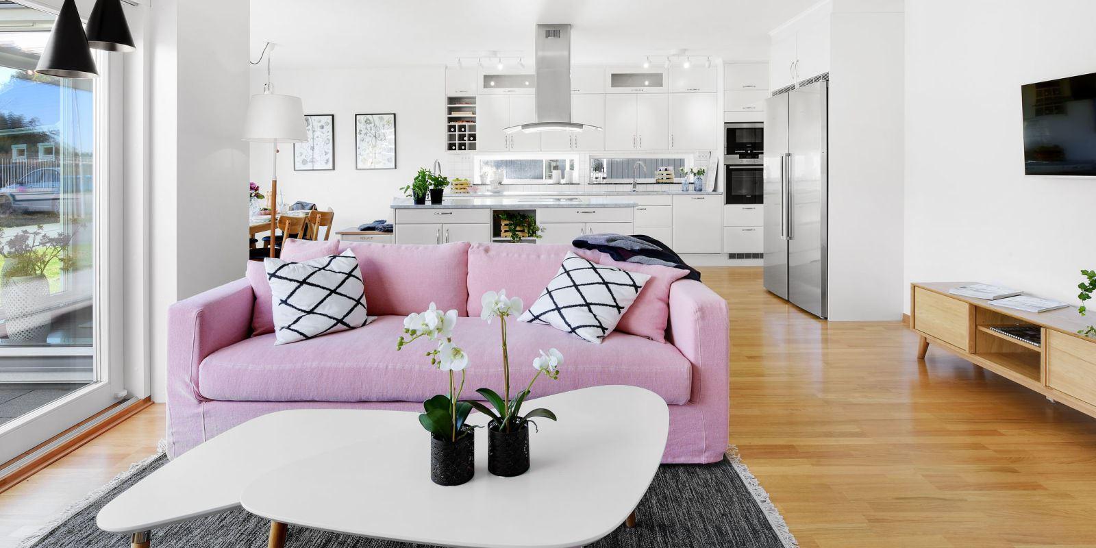 Розовый диван (29)