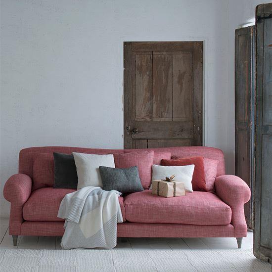 Розовый диван (3)