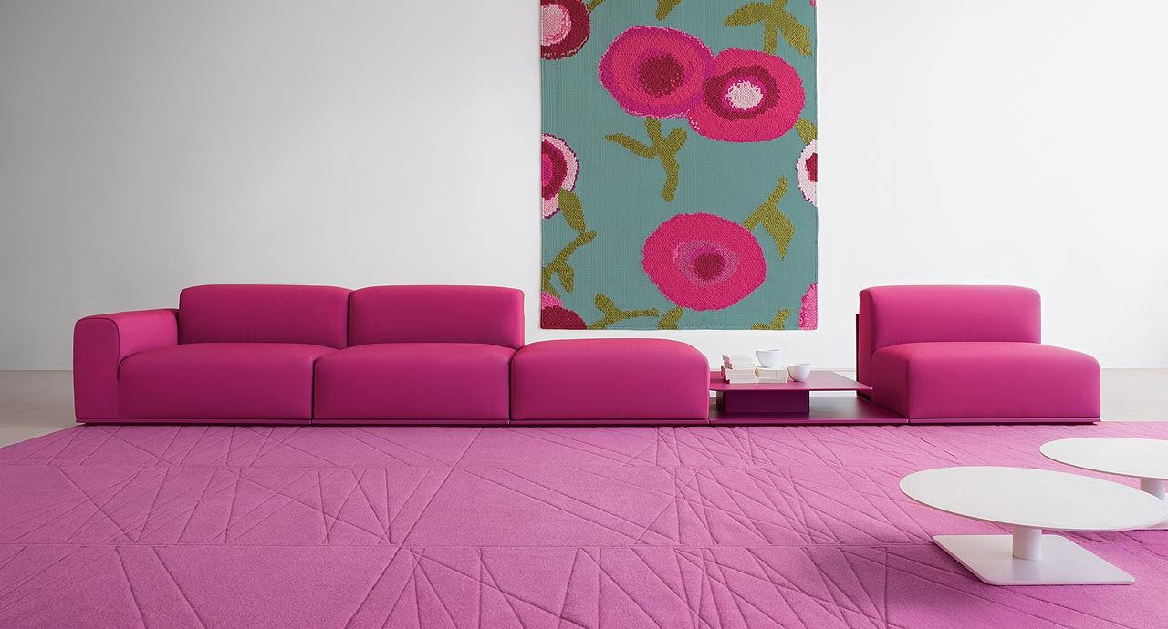 Розовый диван (46)