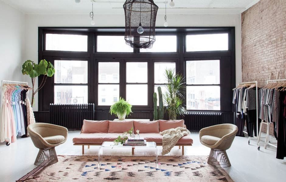 Розовый диван (59)