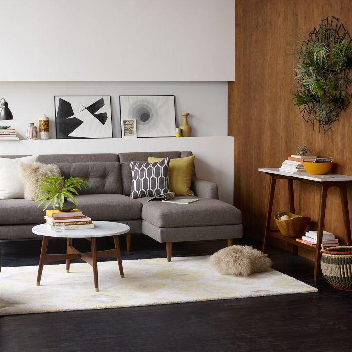 Фото углового дивана светло-серого цвета