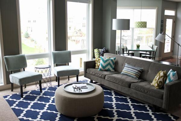 Серый диван (7)