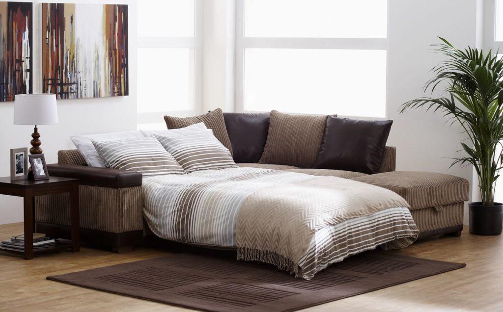 Раскладной угловой диван в гостиной